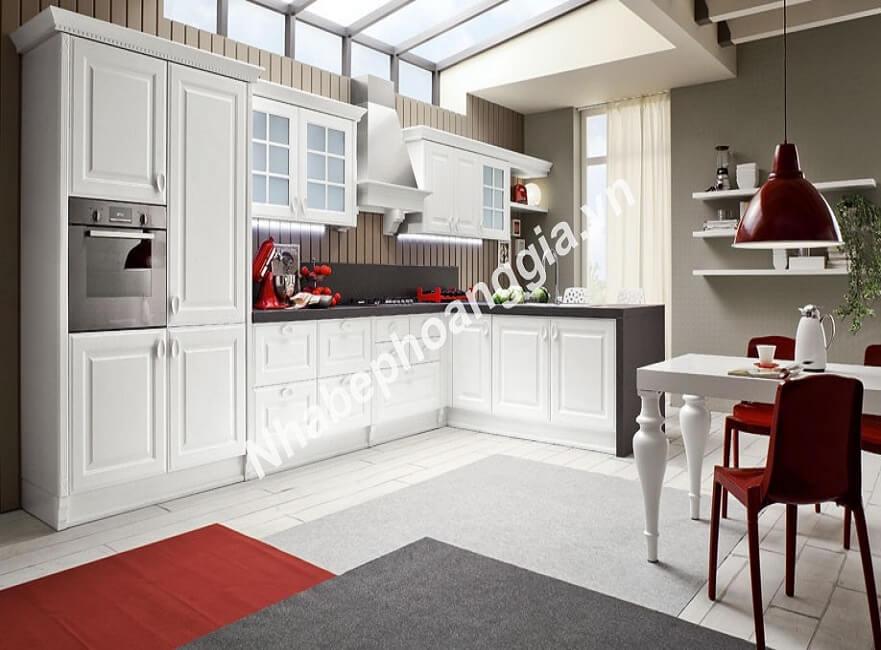 tủ bếp sơn trắng gỗ tự nhiên