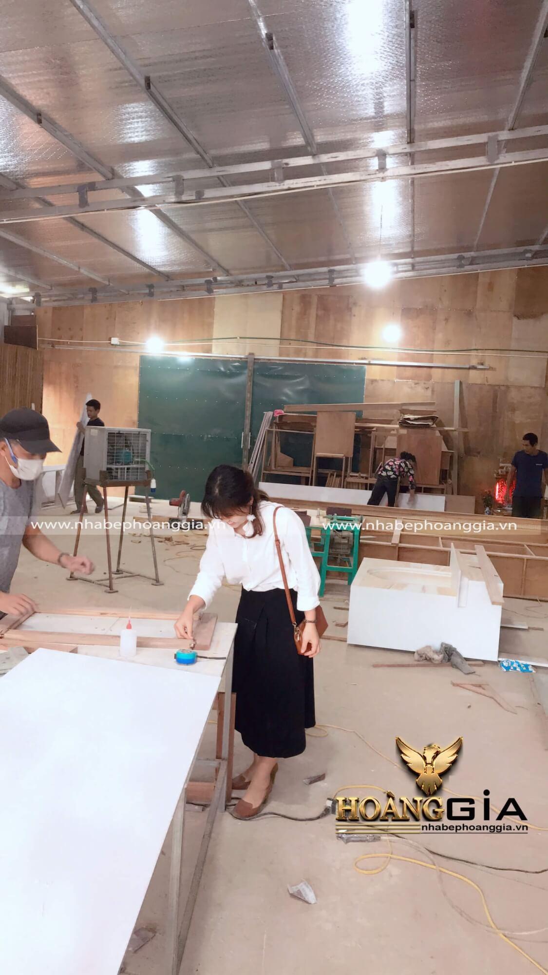 xưởng đóng tủ quần áo cửa lùa Hà Nội