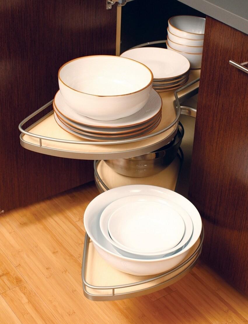 tận dụng tối đa góc chết của tủ bếp