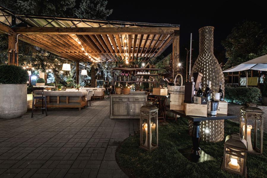 thiết kế nhà hàng sân vườn đẹp 2019