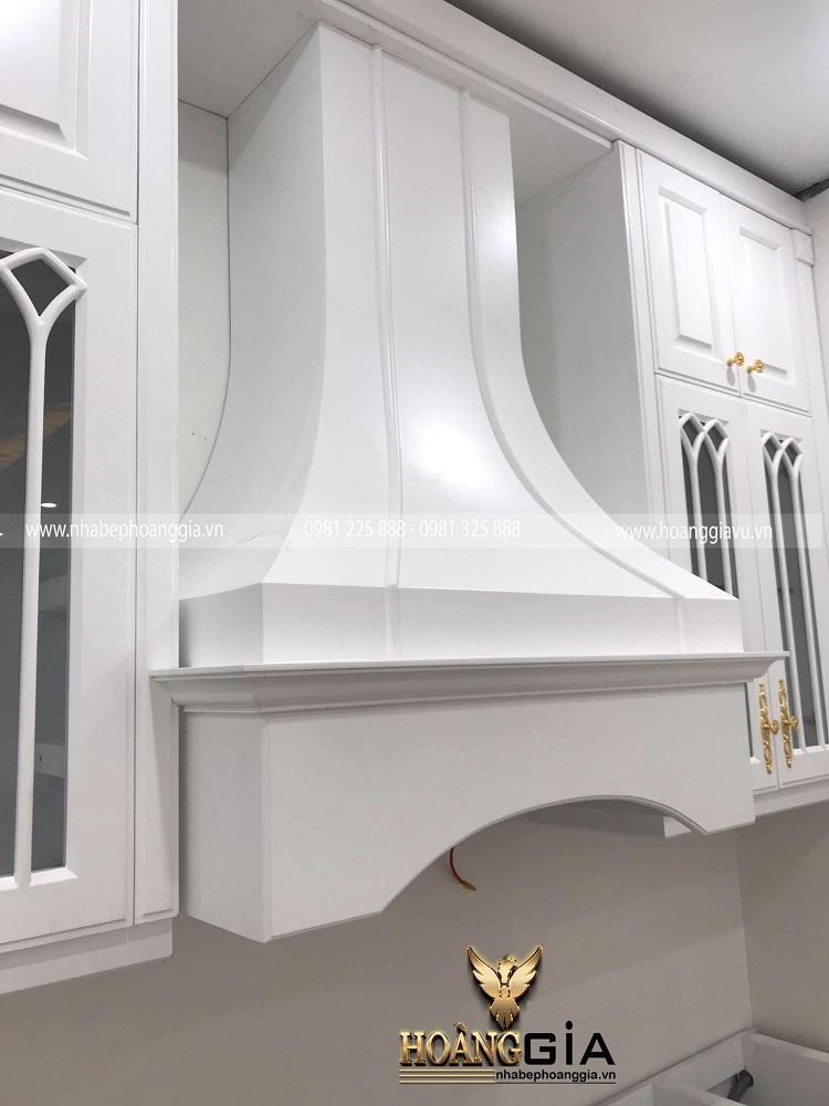 thi công phòng bếp tân cổ điển sơn trắng