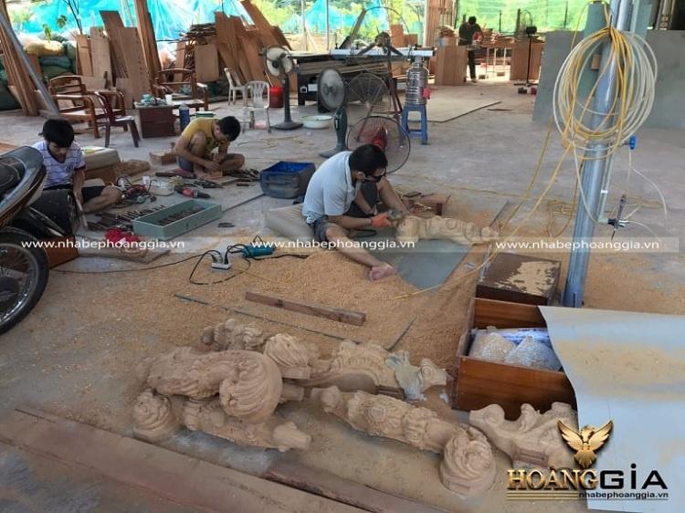 xưởng sản xuất thi công nội thất gỗ gõ đỏ
