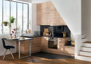 Tiết kiệm diện tích với thiết kế bếp dưới gầm cầu thang